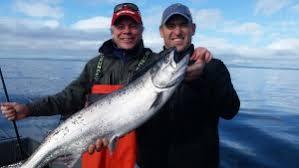 viki hold fish